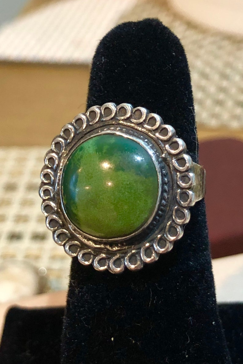 Native American Style Sterling Silver and Turquoise Navajo Flower Type Pattern Size 8 Ring