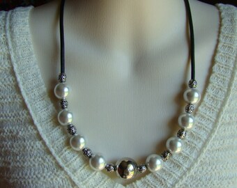 Big Pearls and Leather Necklace