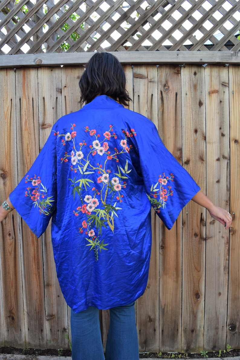 Antique 1950s SILK CHINESE Hand EMBROIDERED Robe Jacket Duster