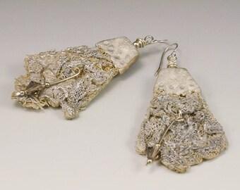 Dangle Earrings - Silver Beige Crystal Ruched Gauze Fiber No. 190