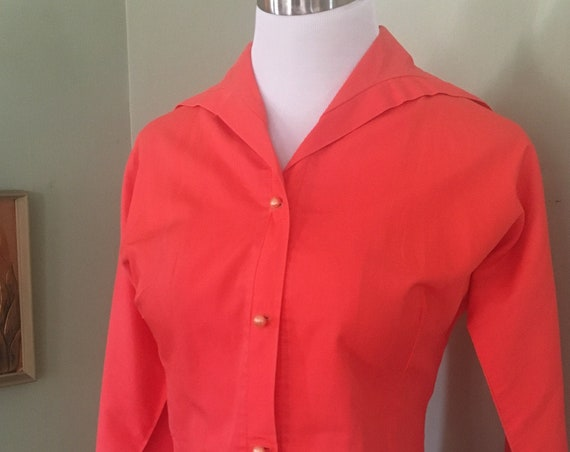 1950s JOY STEVENS of California Stylish Coral Fitted Blouse with Cuffed Sleeves and Rolled Collar-XS S