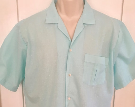 1960s SEA ISLE by Arrow-Summer Fun Turquoise Short Sleeve Button Up Cotton Blend Shirt with Chest Pocket-L