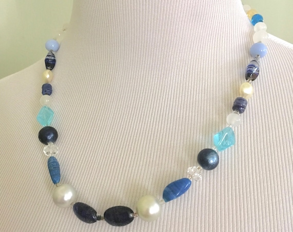 1950s Lovely Blue Beaded and Stone Choker Necklace