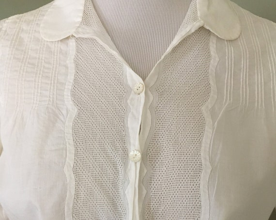 1940s Lovely White Cotton Short Sleeve Button Up Blouse with Princess Sleeves-S