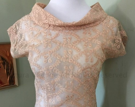 1950s KERI MODES Gorgeous Beige Lace Sheer Glamour Embroidered Blouse with Metal Side Zipper-XS S