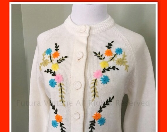 Fun 1960s Embroidered Colorful Floral Acrylic Sweater Cardigan-S