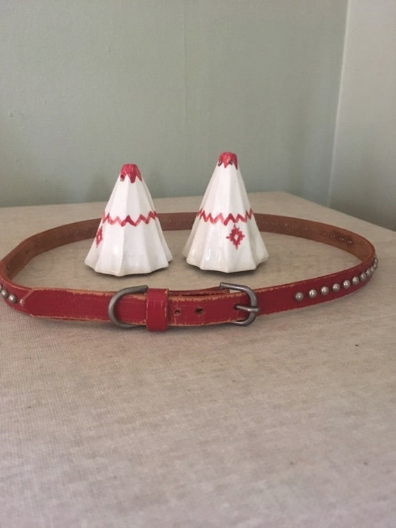 """1950s SHAFFER Skinny Red Leather Studded Western Cowgirl Leather Belt 23""""-24"""" Waist"""