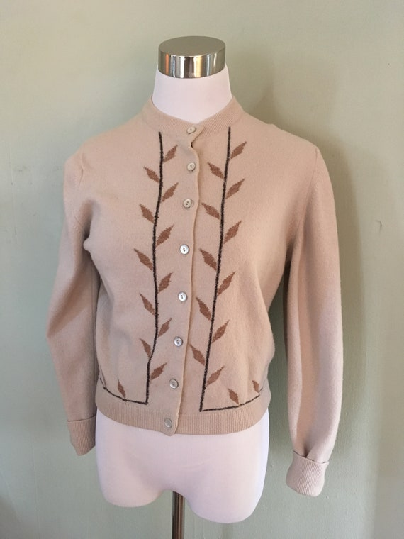 "1950s Adorable GARLAND Dreamspun Leaf Print Cardigan Sweater-S M 36"" Bust"