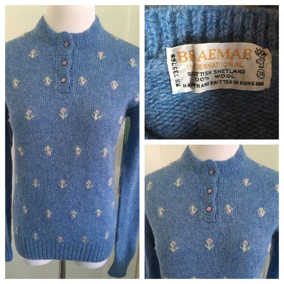 1960s Adorable BRAEMAR Periwinkle Blue Embroidered Floral Pattern Scottish Shetland Wool Long Sleeve Pullover Knit Sweater-M