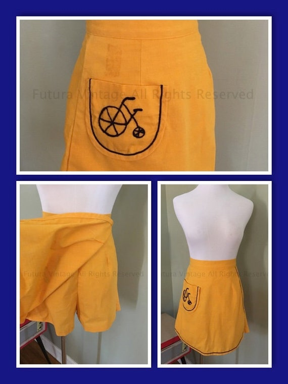 1960s Adorable Queens Way to Fashion Golden Yellow Skort with Contrast Navy  Stitching Bicycle Patch Pocket XS