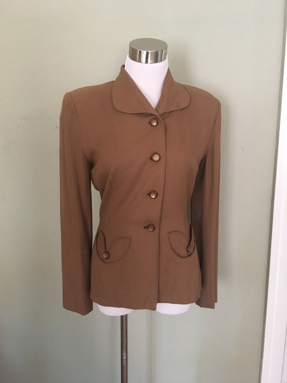 1940s 1950s Fabulous Brown Fitted Blazer with Tulip Shape Functional Pockets XS S