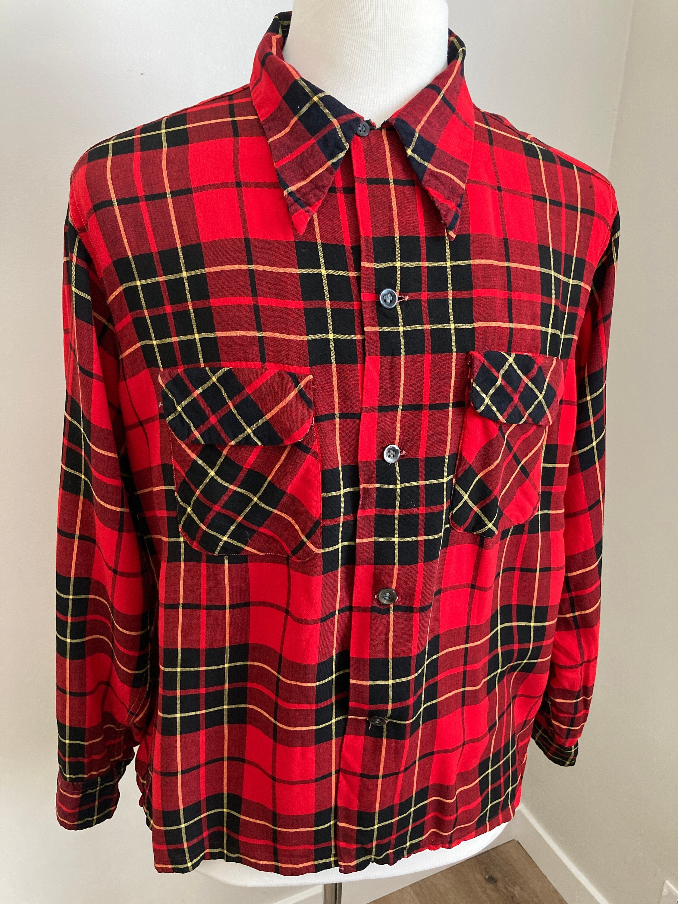1940s Men's Shirts, Sweaters, Vests 1940S Tulane Sportswear Red  Black Buffalo Plaid Long Sleeve Shirt With Flap Pockets-L $55.00 AT vintagedancer.com