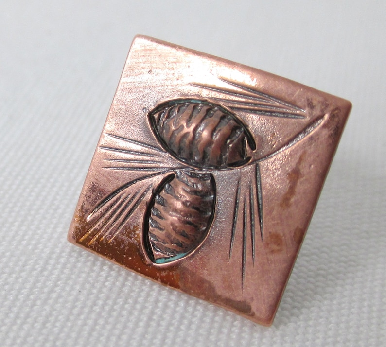 1.27cm Square HandCrafted Stuart NYE Tie Tac Rich Copper Raised Pine Cone with Needles Etched Design Vintage 50/'s Texture 12 Signed