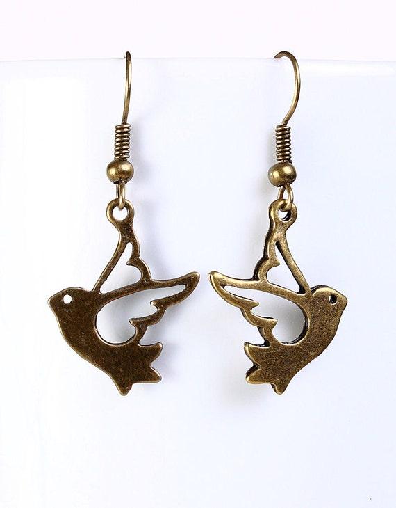 Antique brass bird drop dangle earrings (548)