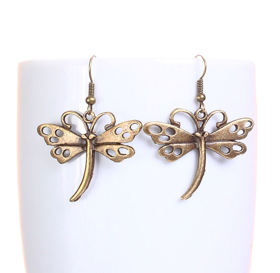 Antique brass dragonfly dangle earrings (630)