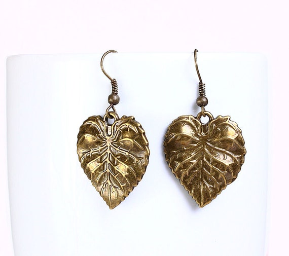 Sale Clearance 20% OFF - Antique brass leaf drop earrings (538)