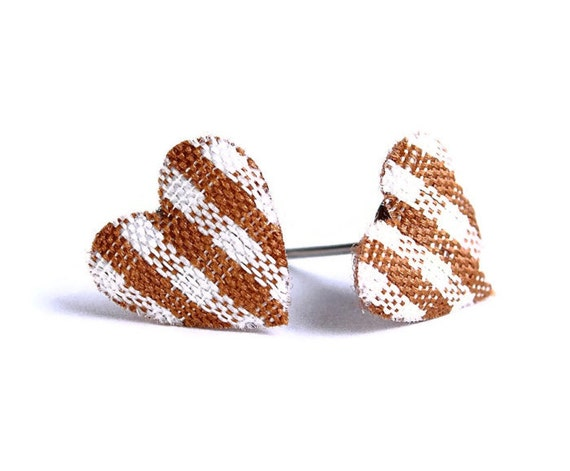 Chocolate cocoa brown plaid heart fabric hypoallergenic stud earrings (350)