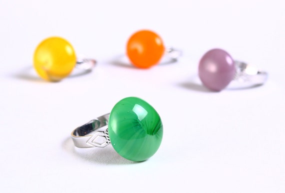 Petite green glass cocktail ring adjustable silver ring OOAK (677)