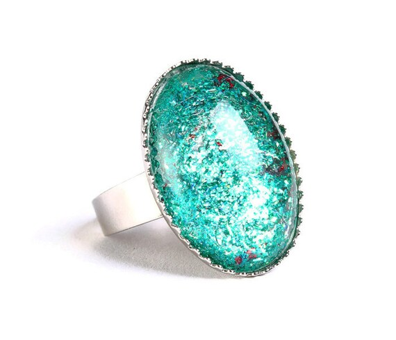 Green and red glitters adjustable ring cocktail ring (694-9)