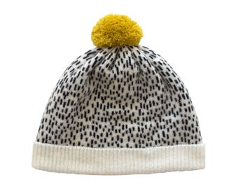 Lambswool Dotty Bobble Hat