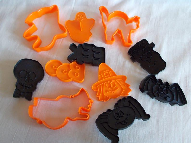 Vintage Wilton Halloween Plastic Cookie Cutters
