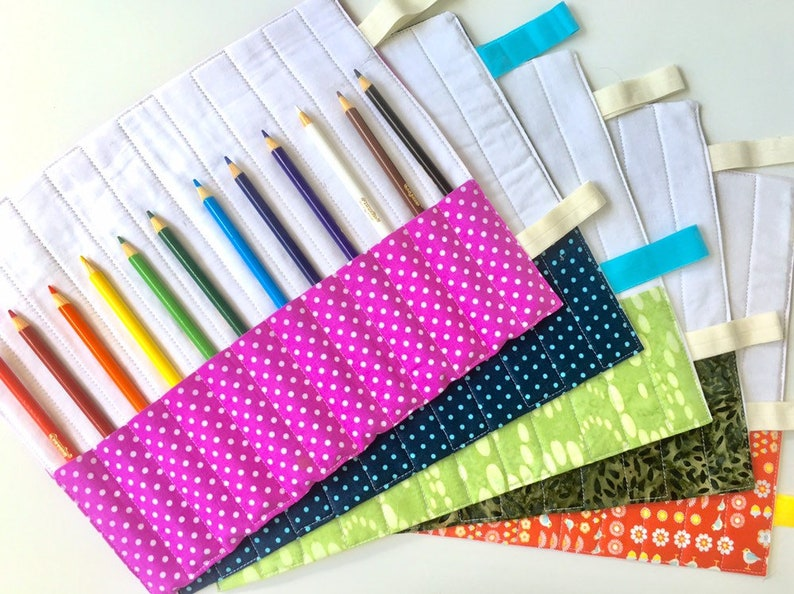 Colored Pencil Roll Navy