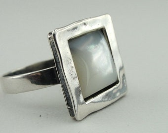 Mother of Pearl 925 silver ring, Square Silver ring, White Pearl Ring, ring size 7.5, Fine ring, White Pearl Ring, Simple Ring, Sale, Gift