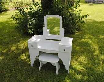 Child's Vanity/Dressing Table - Houston and surrounding areas only - We Don't Ship This Item
