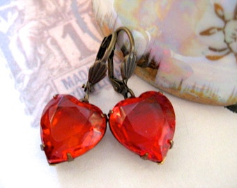 Red Earrings / Heart Earrings / Vintage Glass heart dangle earrings /Romantic Jewellery/ Valentines Red Heart Earrings / Gift for her