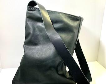 Simple Lightweight Black Leather Shoulder or Cross Body Open Satchel Bag