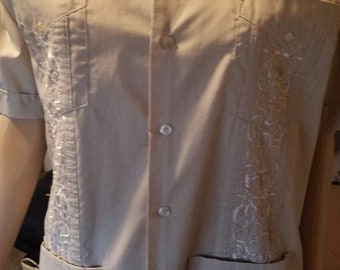 vintage mens hawaiian shirt