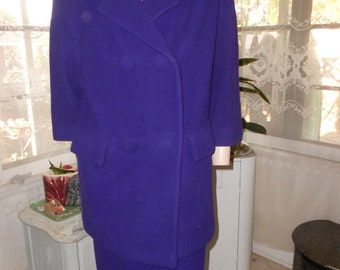 1960's Purple Wool Suit - Pencil Skirt and Oversized Double-Breasted Jacket - Size S/M