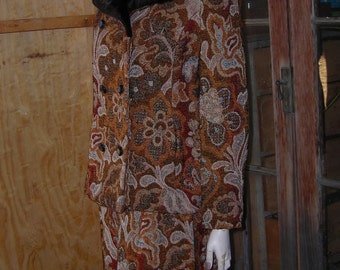 Vintage 60's Brown Tapestry Suit w/Pencil Skirt & Double Breasted Jacket w/Faux Fur Collar - Size M