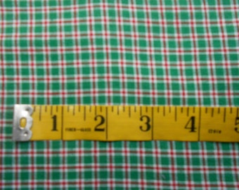 Small Plaid Green, White & Red  Homespun Fabric One Yard #726E