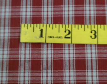 Medium Brick Red & Beige Plaid Homespun Fabric (278E)