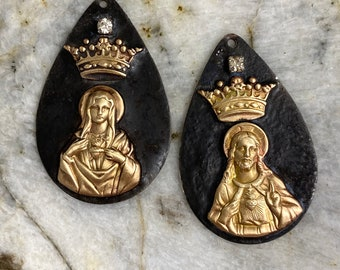Soldered Immaculate Heart of Mary or Sacred Heart of Jesus Pendant Raw Brass Crown Blessed Mother Jewelry Supplies Religious Medal Mixed
