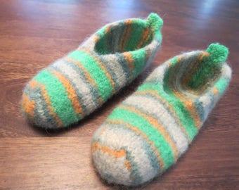Wool slippers, women size 7/8