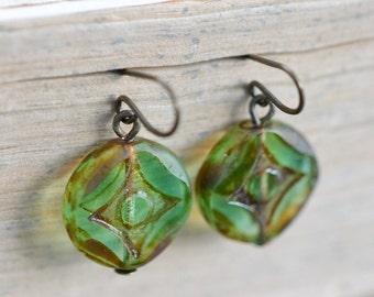 Light Green Antique Earrings / Czech Glass Beads / Brass / Neo Vintage Jewelry