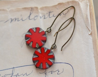 Red Antique Earrings / Czech Glass Beads / Brass / Neo Vintage Jewelry