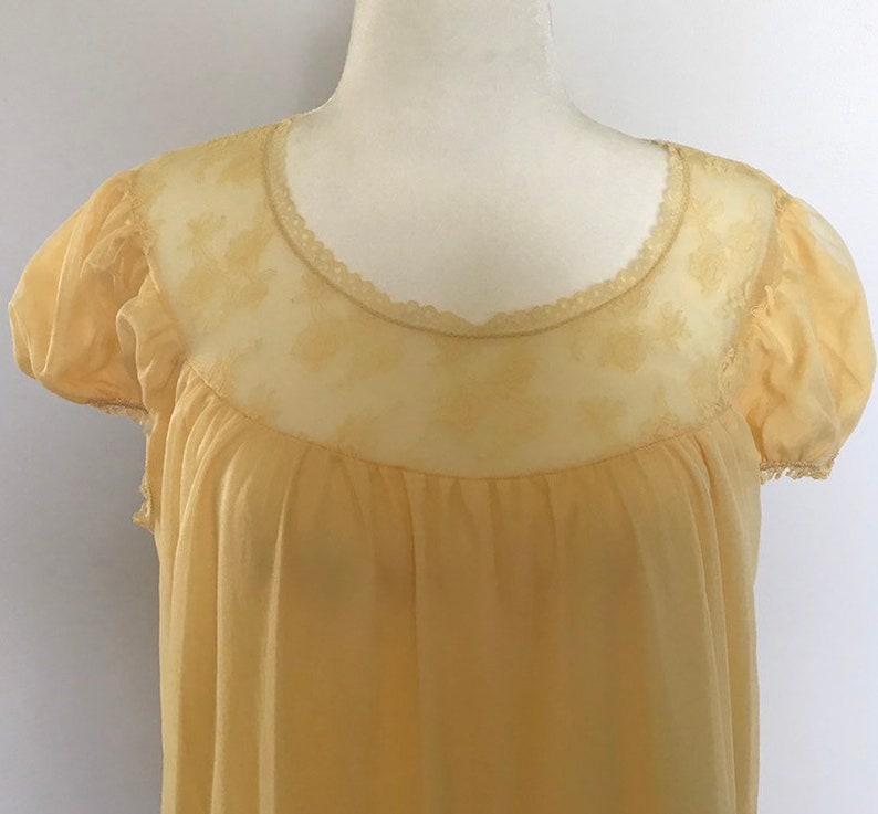 Yellow Size Large Vintage Chiffon Nightgown Peignoir