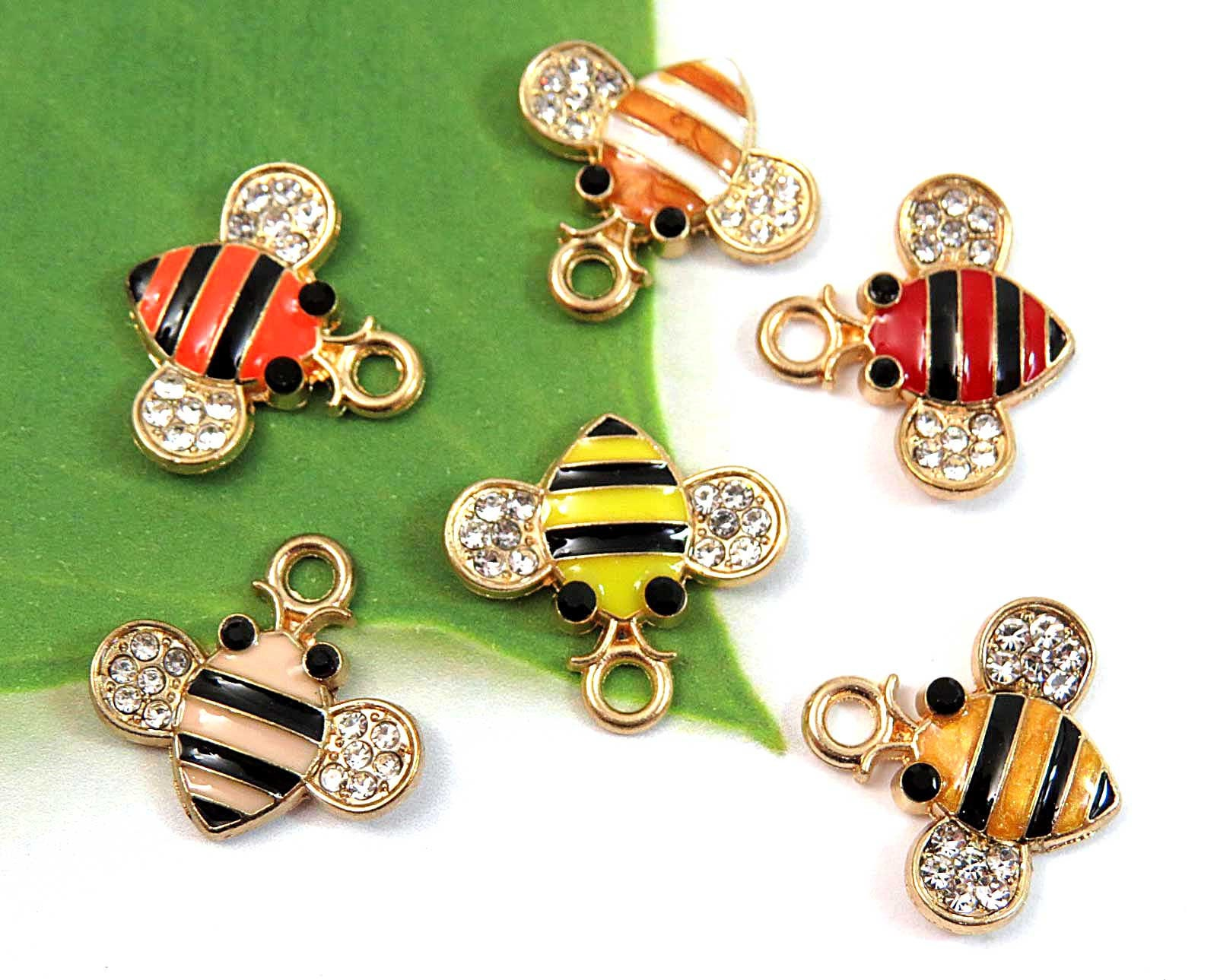 2 x Gold Plated Rhinestone Enamel 3d Bumble Bee Pendant Charms 17mm