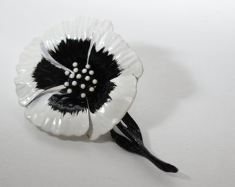 Enamel Flower Pin, Black White Flower Brooch, 1960's Flower Costume Jewelry, Vintage  Flower Pin On Stem, Mod Flower Brooch Vintage