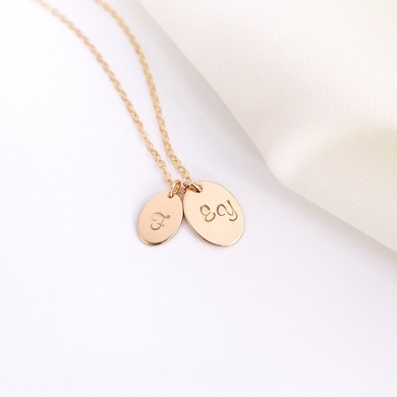 Dainty Gold Oval Necklace