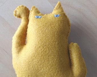 "mystery cat(謎猫 NAZO NEKO)""No.9 yellow""  Stuffed animals, figurines, talismans, felt,beckoning cat, lucky cat"