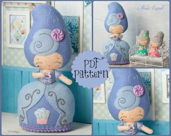 PDF.Marie  Antoinette doll with baby Antoinette .Plush Doll Pattern, Softie Pattern, Soft felt Toy Pattern.