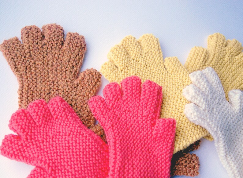 Fingerless Glove Pattern Easy to knit Worsted Weight image 0