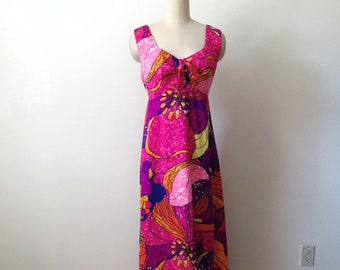 1960s Maxi Dress Park East Elegant Oversized Flower Print Cotton Pique Long Dress