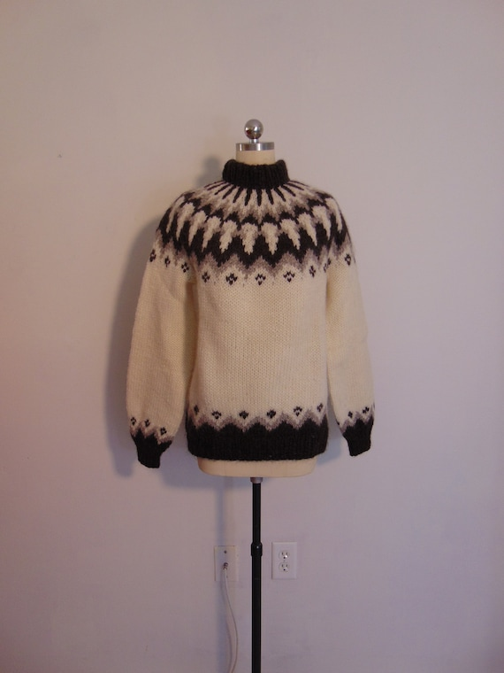 70s Men's Fair Isle wool sweater from Iceland size