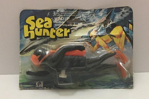 Sea Hunter Wind Up TOY Scuba Diver HONG KONG