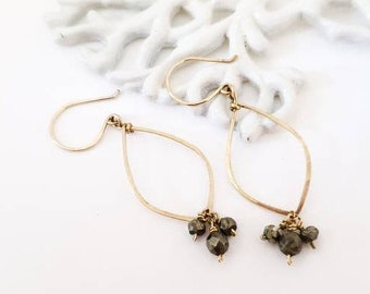 Pyrite gold hoop earrings - Dainty gold earrings with pyrite rondelles, small hoop earrings, everyday gold earrings, gold filled earrings